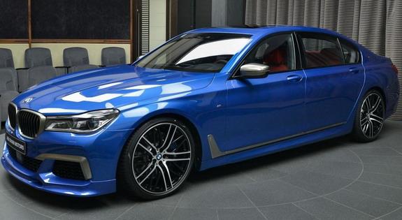 BMW-M760Li-Abu-Dabi-1