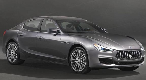 Maserati-Ghibli-GranLusso-1