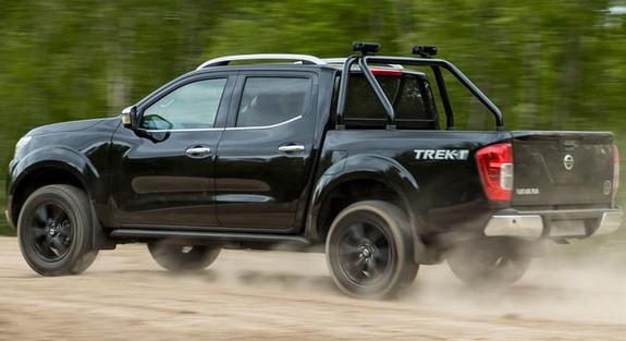 Nissan-Navara-Trek-1°-2
