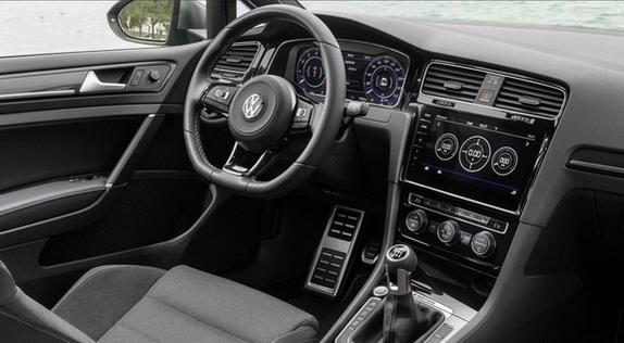 Volkswagen-Golf-R-Performance-3