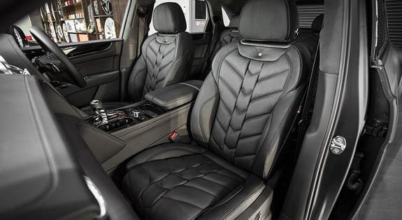 Bentley-Bentayga-Le-Mans-Kahn-3