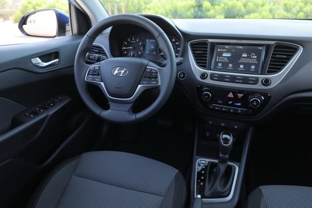 Hyundai-Accent-3
