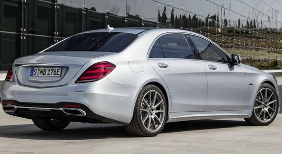 Mercedes-S560e-2