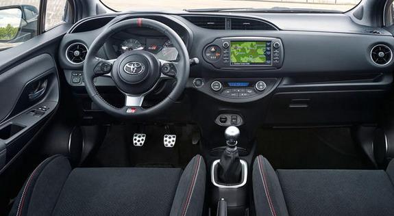 Toyota-Yaris-GRMN-3