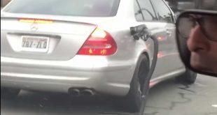 Video: Vozač Mercedesa otkinuo crevo sa pumpe i nastavio da vozi