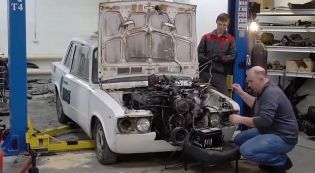 lada v motor