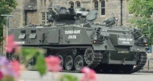 Video: Tenk u Velikoj Britaniji iznajmljuje se kao limuzina
