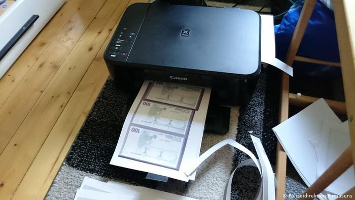 Odštampala 15 000 evra na štampaču i otišla da kupi automobil